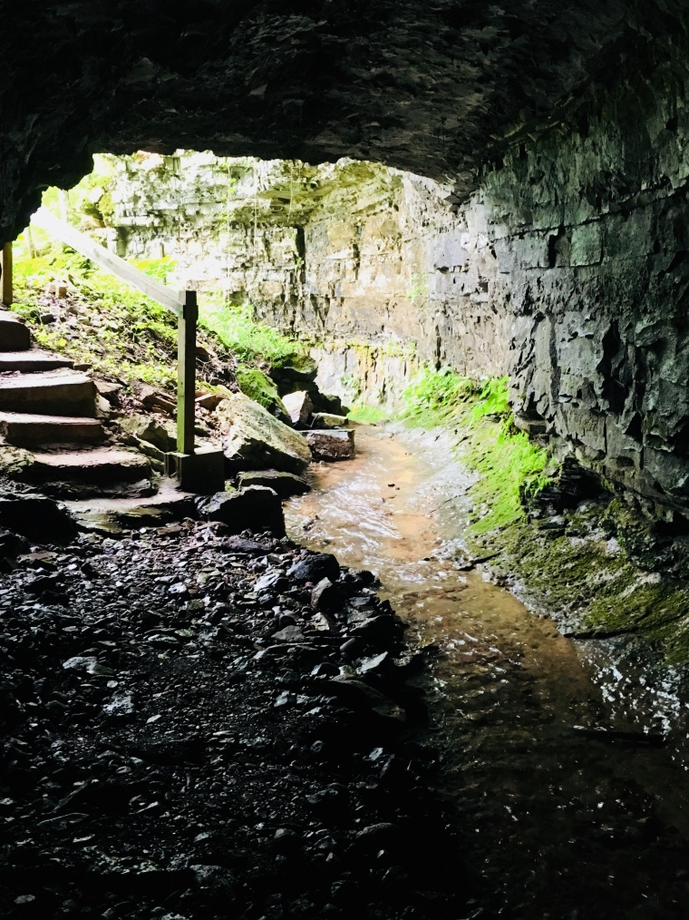 Bell Witch Cave Entrance